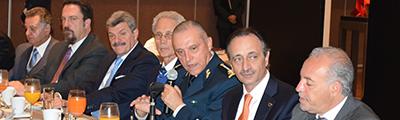 Visita del Secretario de la Defensa Nacional al CDI