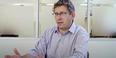 El director médico de Moderna que busca la mejor vacuna es israelí